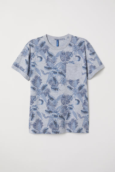 T-shirt with a chest pocket - Grey/Leaf-patterned - Men | H&M
