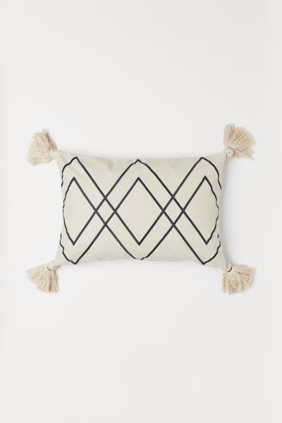 H&M - Tasselled cushion cover - 2