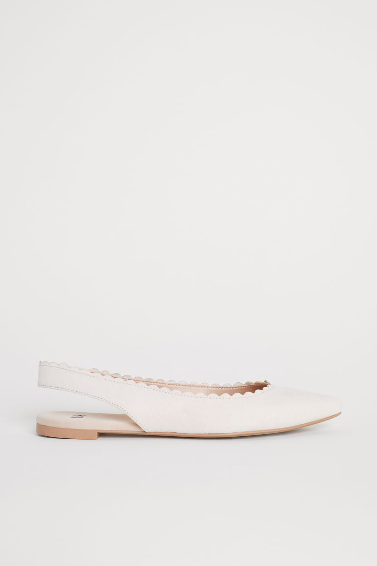 Scallop-edged ballet pumps - Powder beige - Ladies | H&M
