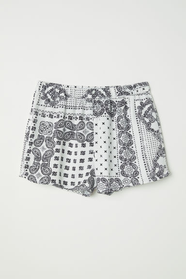 Patterned viscose shorts - White/Paisley-patterned - Ladies | H&M