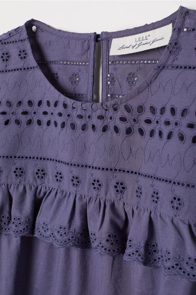 5ae30a25352f2a Bluzka z haftem angielskim - Niebieski - ONA | H&M ...