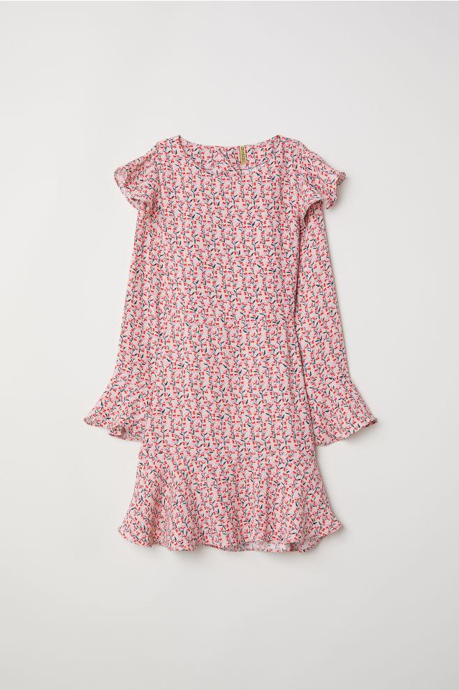2ed516f691afa2 Wzorzysta sukienka z falbanami - Pudroworóżowy/Kwiaty - | H&M ...