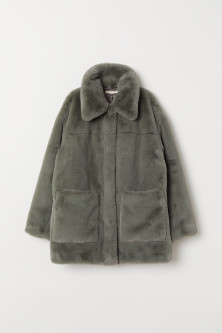 Faux fur jacketModel