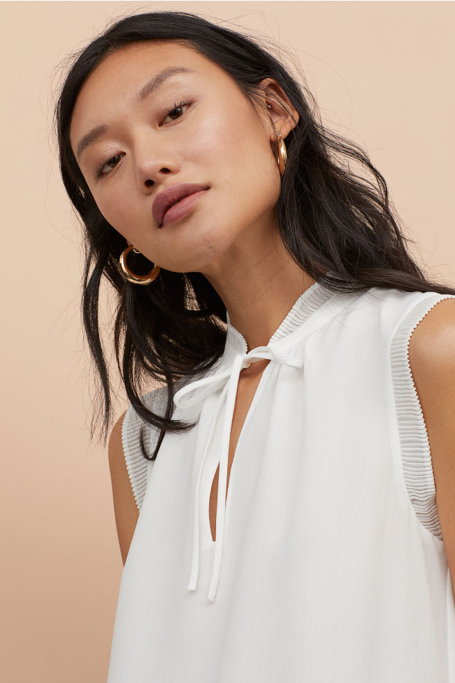 f1ddebc025282 Airy Pleated-collar Blouse - White - Ladies