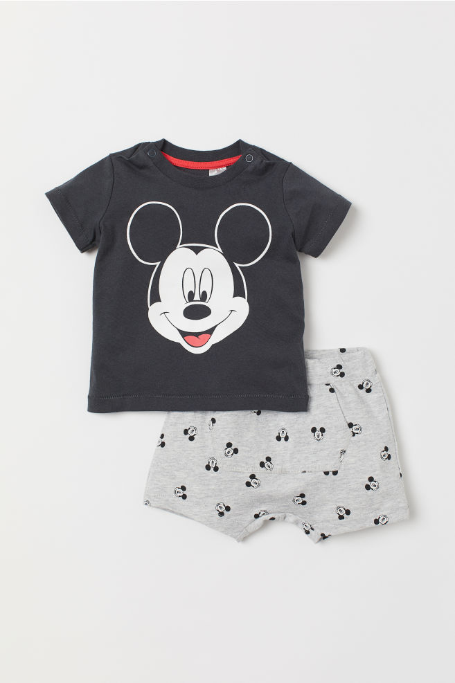 c8ebdeb202 T-shirt and shorts - Dark grey/Mickey Mouse - Kids | H&M GB