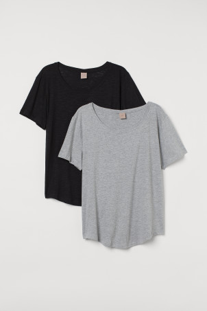 H&M+ 2-pack T-shirtsModel