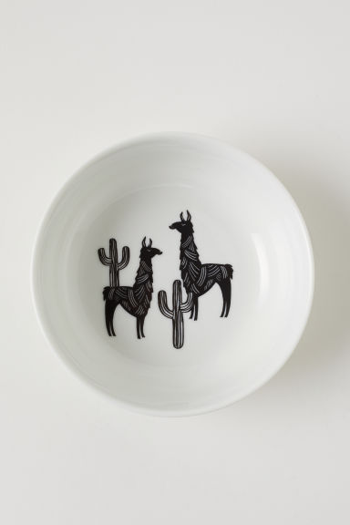 Porcelain bowl with a motif - White/Llamas - Home All | H&M CN