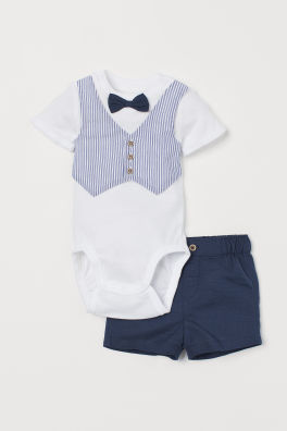 bdc270358ccb Newborn Clothes | 0 - 9 Months Baby Clothes | H&M CA