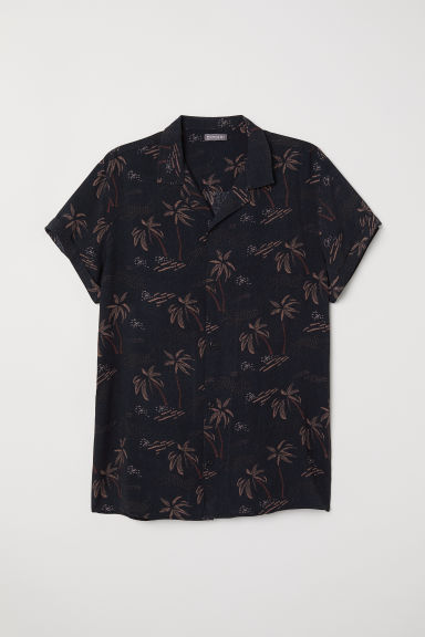 Short-sleeved resort shirt - Black/Palm trees - Men | H&M CN