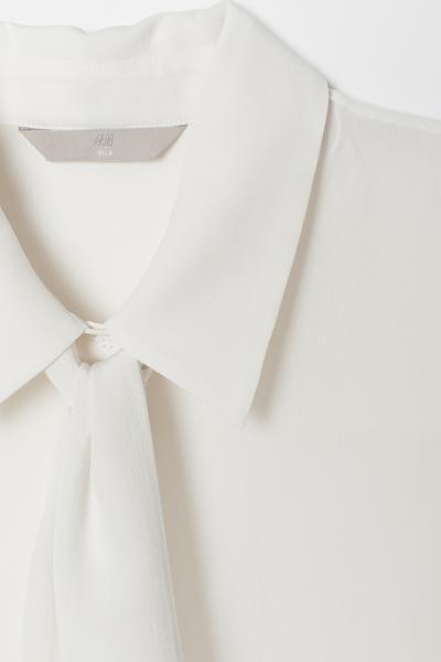 H&M - Blusa de seda con lazada - 6