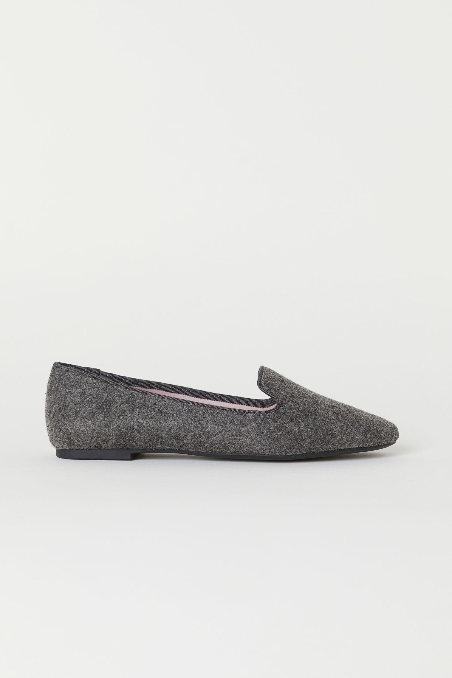 b4e61b59bf1 Loafers - Black - Ladies