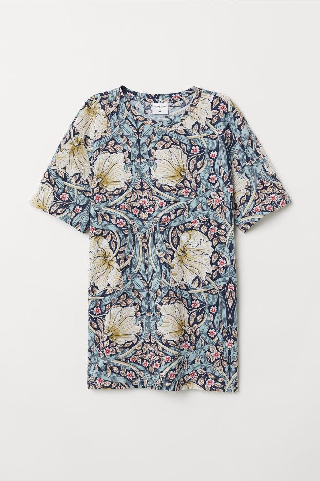 T Shirt With Printed Design Dark Blue Floral Men H M Us