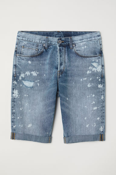 Vaquero corto Straight Long - Azul denim claro/Trashed - HOMBRE | H&M ES