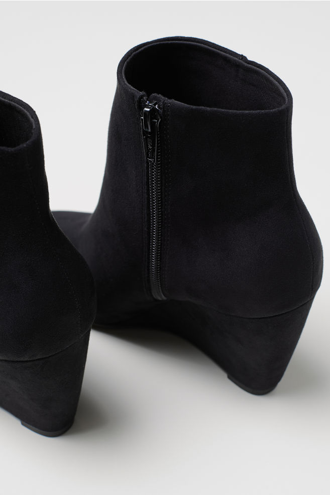 f6528948aa4c5 ... Wedge-heel Boots - Black - Ladies