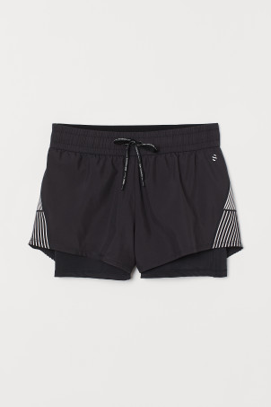 Double-layered running shorts