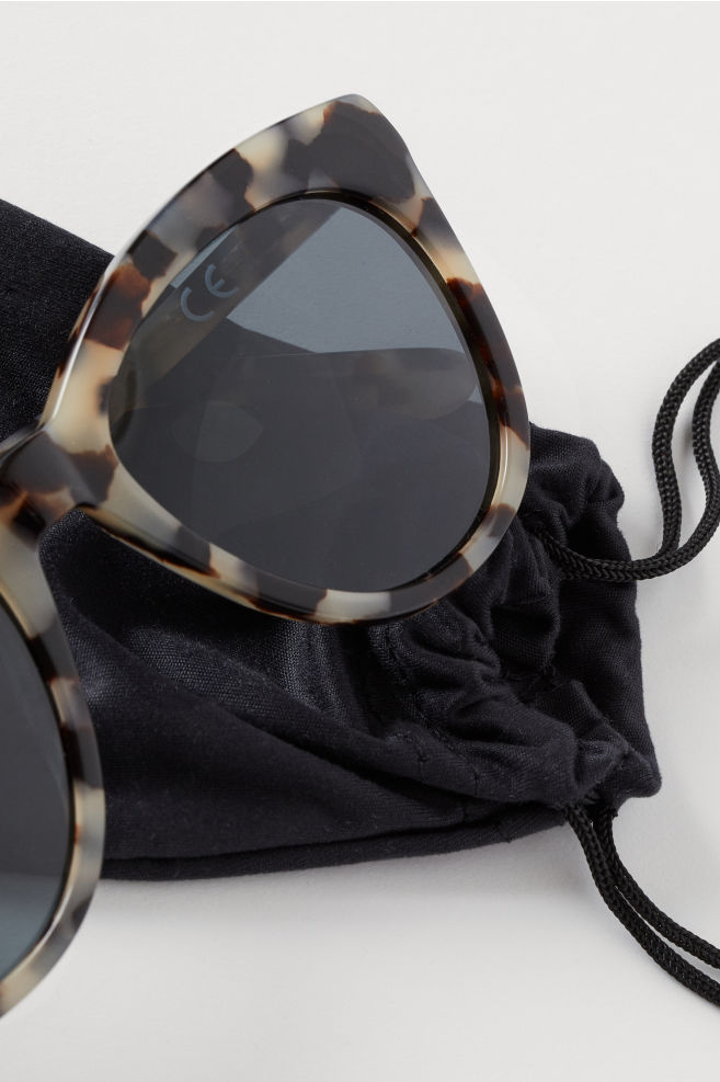 848bed159 ... Polarized Sunglasses - Beige/patterned - Ladies | H&M ...