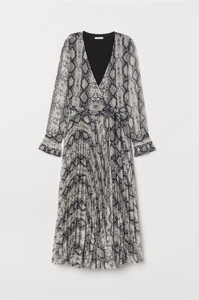7509f0203a1 Pleated dress - Nat. white/Snakeskin pattern - Ladies | H&M ...