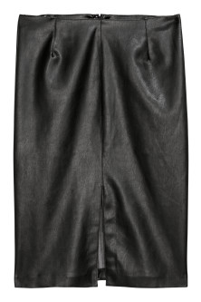 H&M+ Imitation leather skirtModel