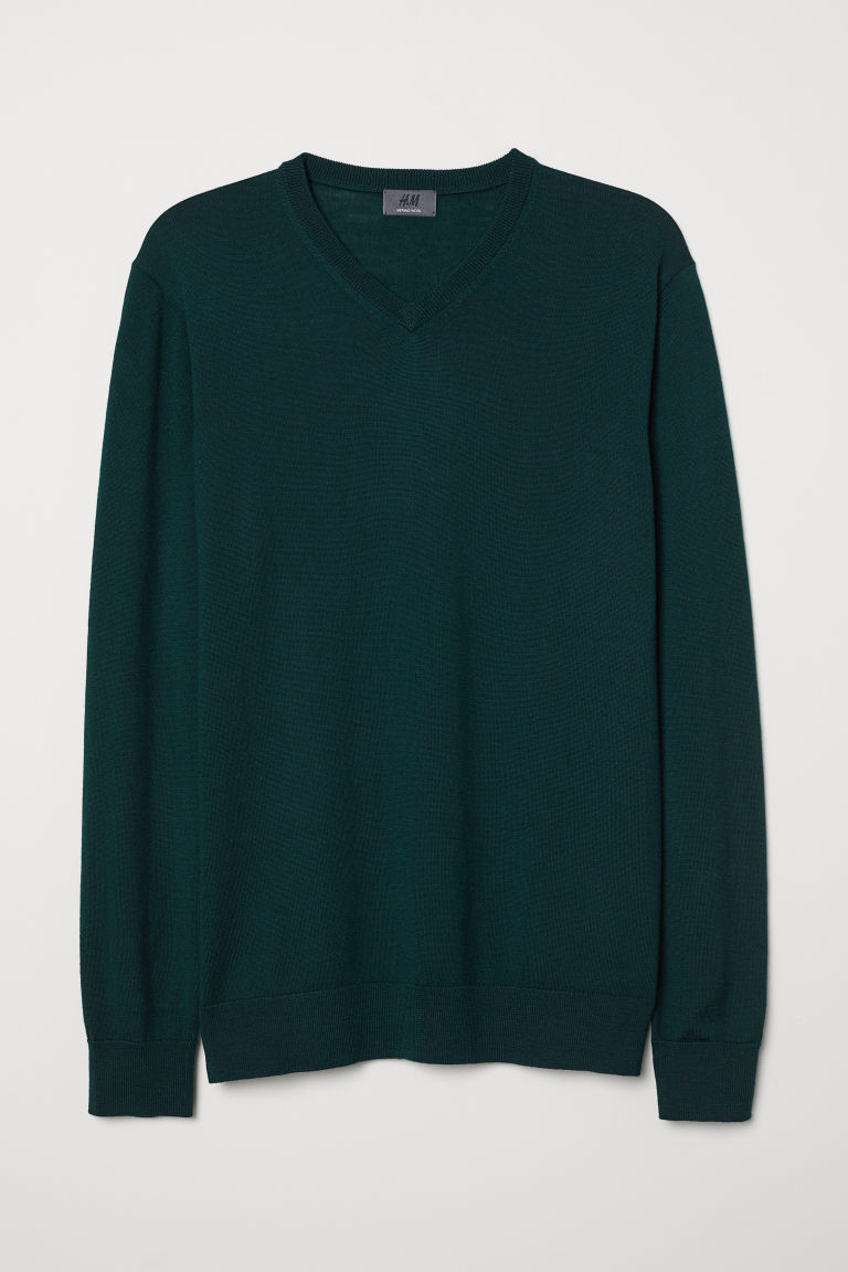 V-neck merino wool jumper - Dark green - Men | H&M