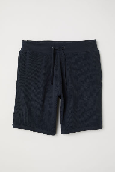 Waffled shorts Regular fit - Dark blue - Men | H&M CN