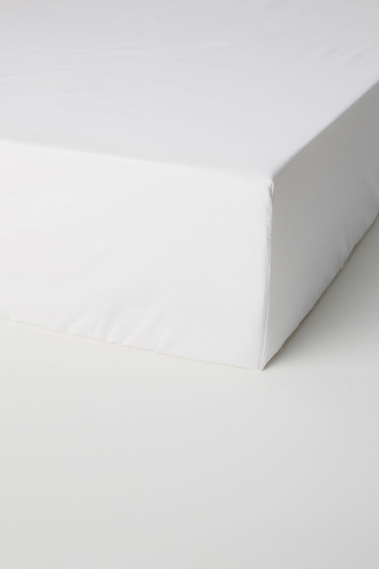 Fitted cotton satin sheet - White - Home All | H&M GB