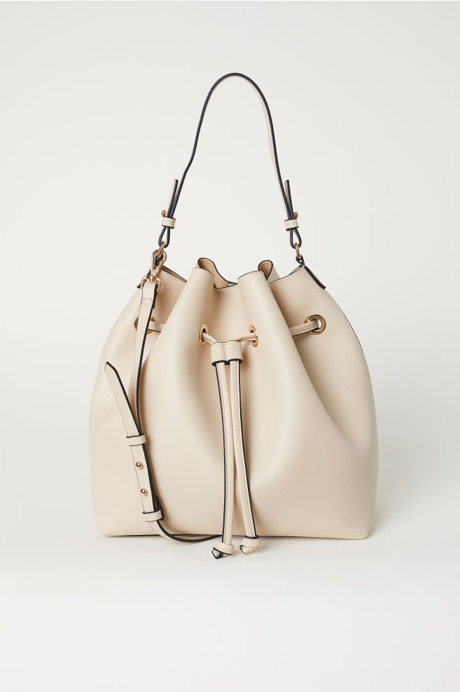 327acee40 Large Bucket Bag - Light beige - Ladies | H&M ...