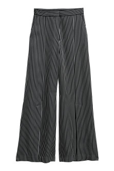 Wide trousers with slits