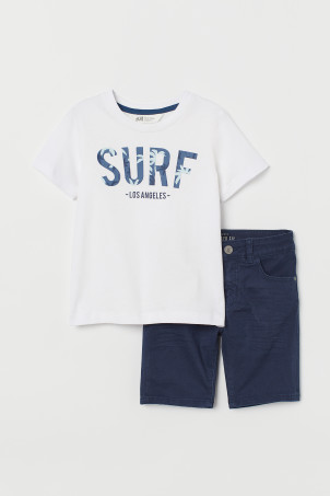 T-shirt and twill shortsModal