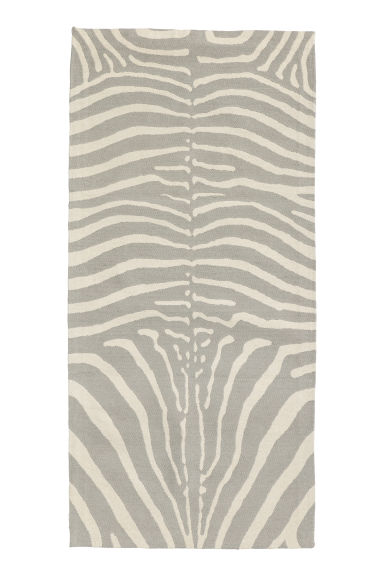 Zebra-patterned rug - Beige/Zebra-patterned -  | H&M IE
