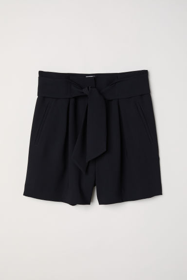 Tailored shorts - Black -  | H&M CN