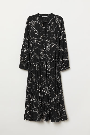 Pleated dress - Black/Patterned -  | H&M CN