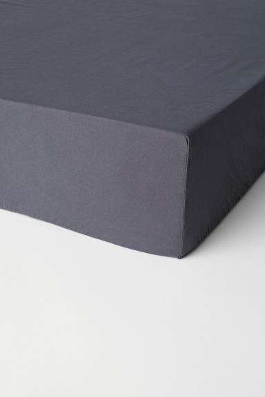 Washed cotton fitted sheet - Dark grey - Home All | H&M CN
