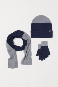 Hat, scarf and gloves