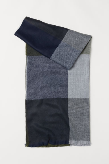 Checked scarf - Khaki green/Dark blue - Men | H&M