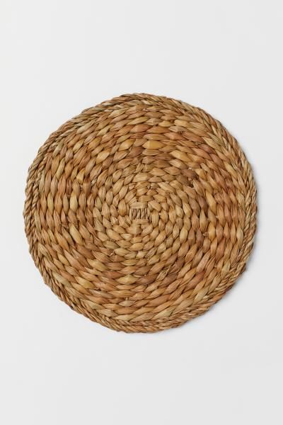 H&M - Round seagrass table mat - 2