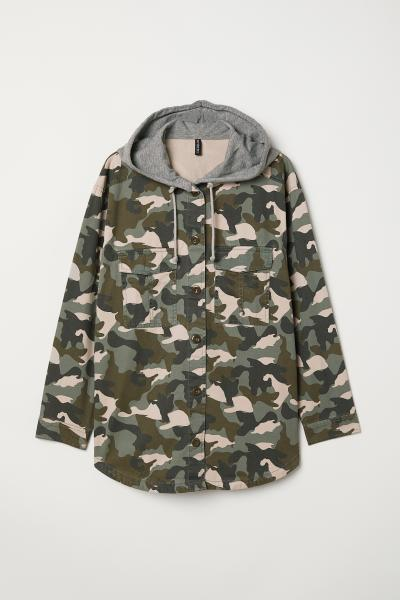 0a3e84c50b0ee H&M+ Hooded shirt - Khaki green/Patterned - Ladies | H&M ...