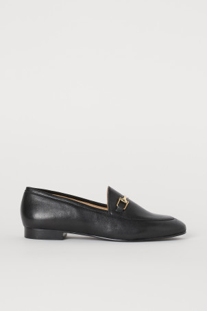 Leather loafersModel