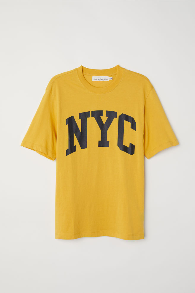 T Shirt With Printed Motif Yellownyc Hm Us