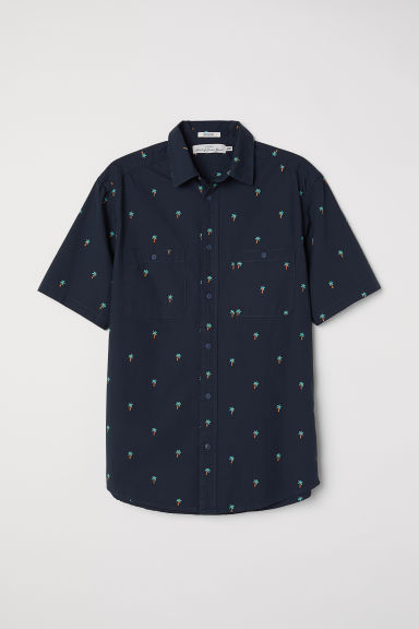Short-sleeve shirt Regular fit - Black/Palm trees - Men | H&M