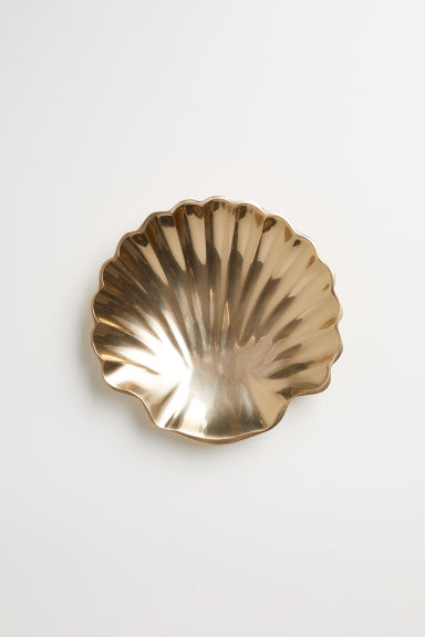 Shell-shaped metal dish - Gold-coloured - Home All | H&M CN