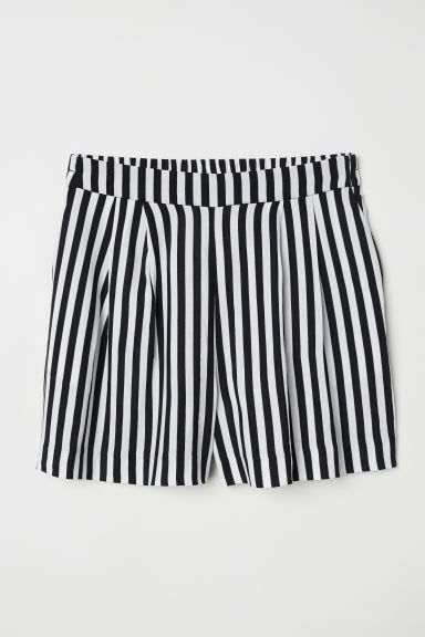 Patterned shorts - Black/White striped - Ladies | H&M