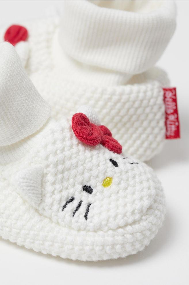 fdf81b5c800b ... Strikkede babystøvler - Naturhvid Hello Kitty - BØRN