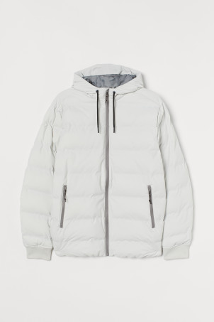 Water-repellent puffer jacketModel