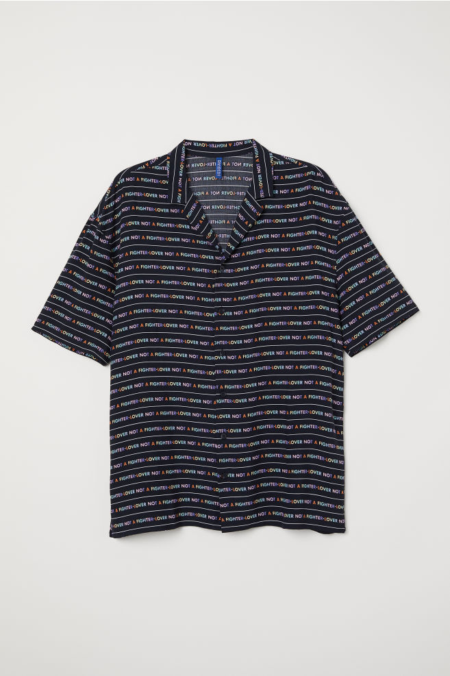 7e07617f Resort Shirt with Printed Text - Black/Lover - Men | H&M ...