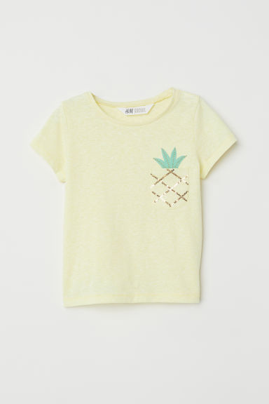 T-shirt with a chest pocket - Light yellow/Pineapple -  | H&M