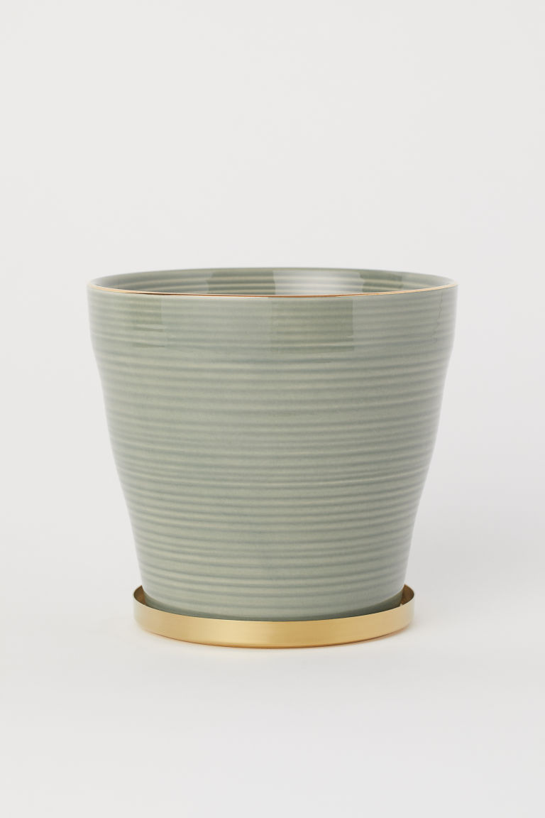 Fluted plant pot with a saucer - Khaki green - Home All | H&M CN