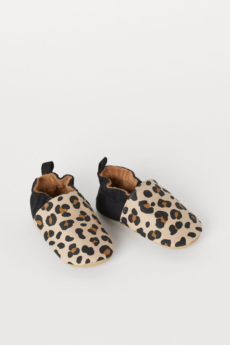 Soft slippers - Beige/Leopard print - Kids | H&M IN