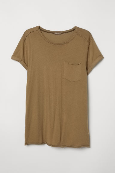 T-shirt with a chest pocket - Dark khaki green/Washed - Men | H&M