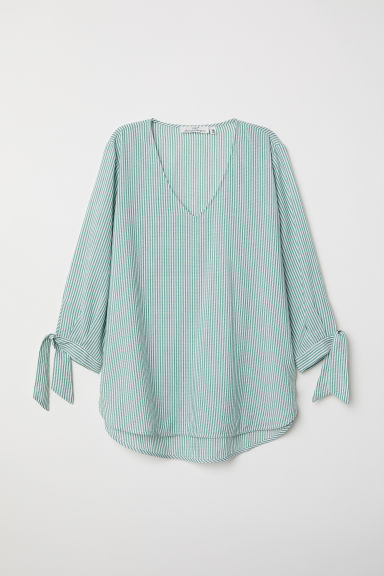 V-neck blouse - Green/White striped - Ladies | H&M CN