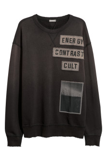 Sweatshirt with appliqués